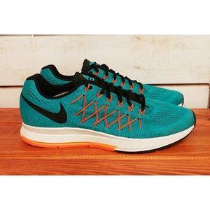Nike Air Zoom Pegasus 32 Shoes  12.5